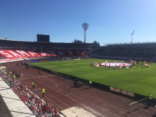 Šampioni! choreo Tribuny Sever před titulovém utkání Slavia x Brno